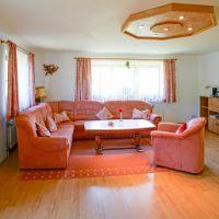 schauberger-waldblick-ferienwohnungen-breitenberg-wohnzimmer